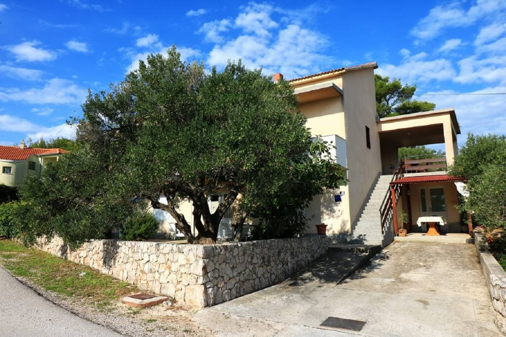 Apartmani Martina  - large and comfortable apartme, Betina - Otok Murter
