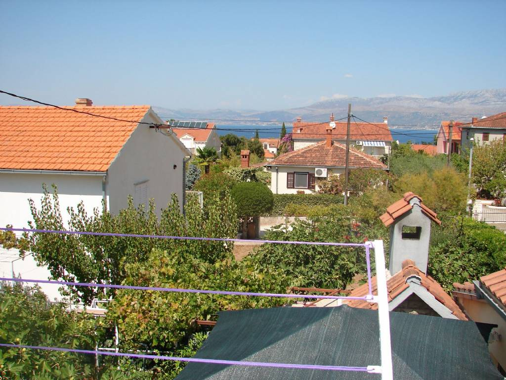 Otok Brač  Supetar - Apartmani Slavica - Apartment with large terrace: - Apartman 1