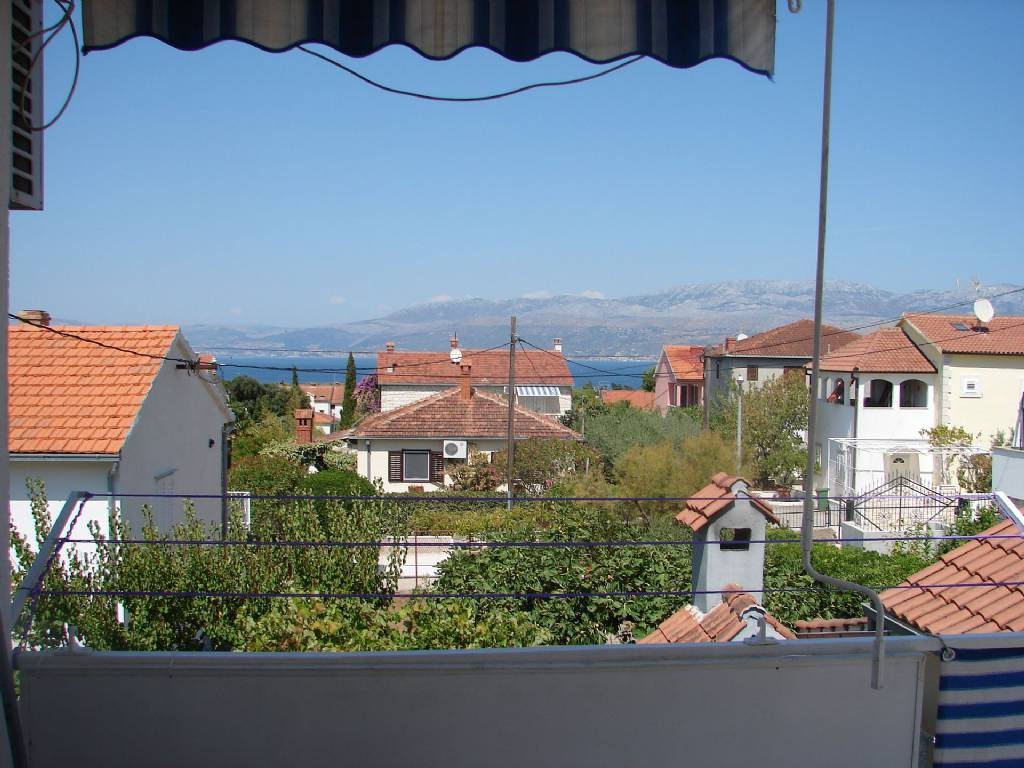 Otok Brač  Supetar - Apartmani Slavica - Apartment with large terrace: