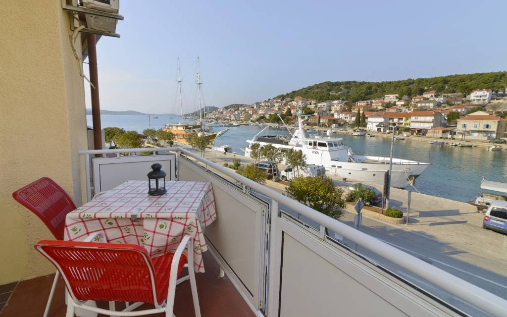Apartmani Ive - with sea view:, Tisno - Otok Murter