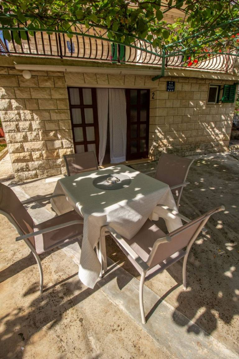 Otok Brač  Supetar - Apartmani Dušan - Apartments with grill: - Apartman 2