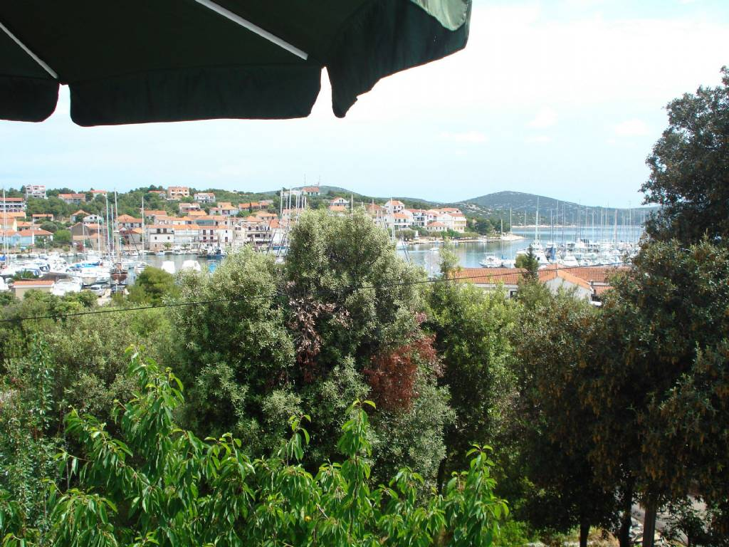 Apartmani Jadranka - free parking and grill:, Jezera - Otok Murter