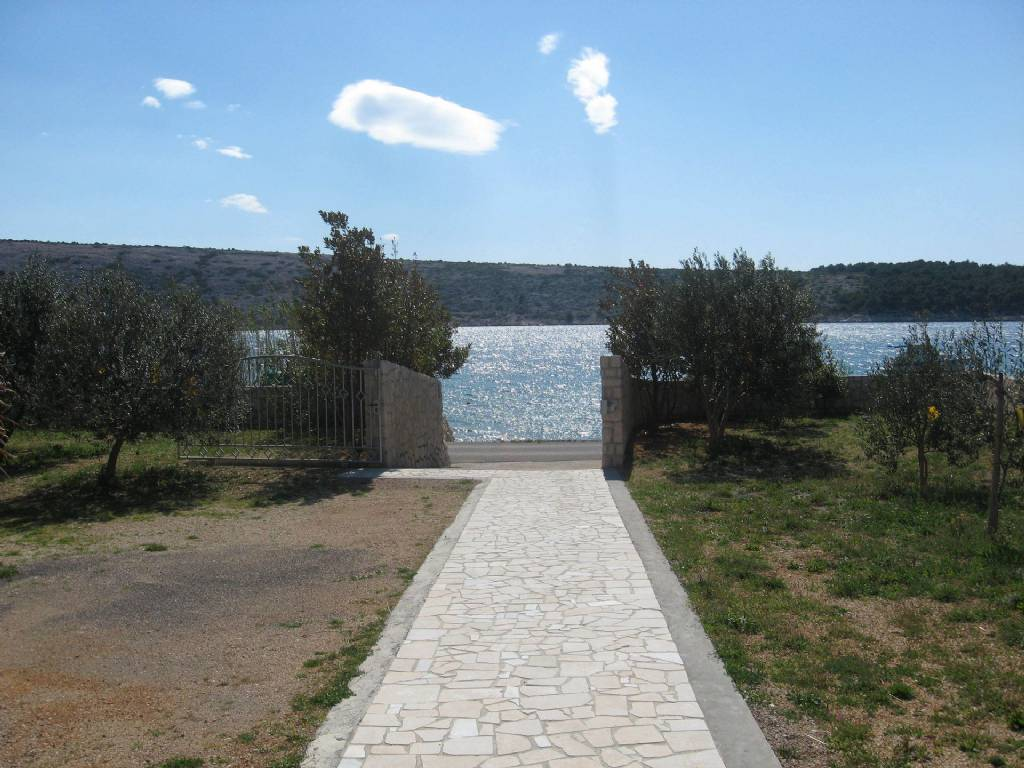 Apartmani Frane - 20 m from beach:, Barbat - Otok Rab