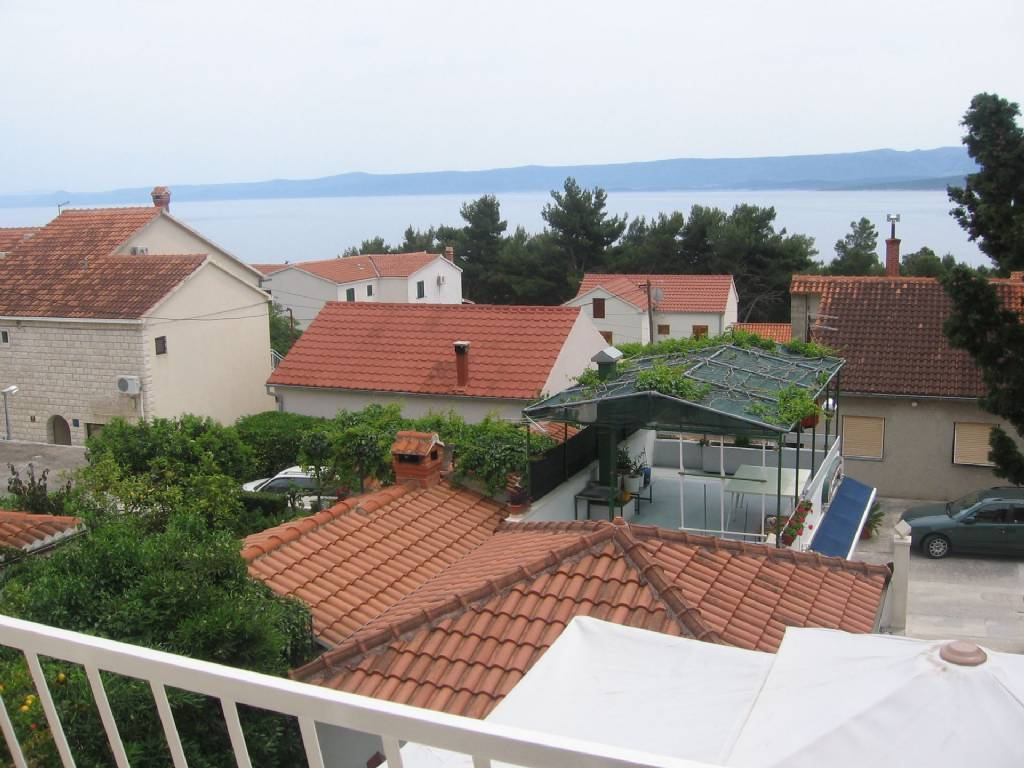 Otok Brač  Bol - Apartmani Mini - parking: