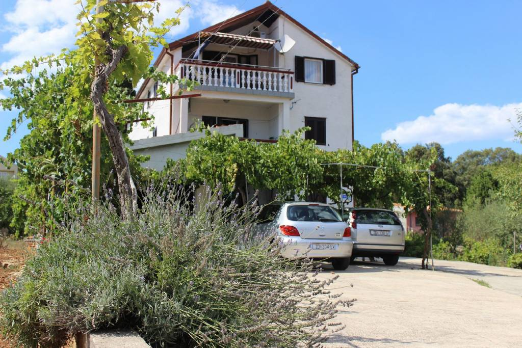 Apartmani Ivy - free parking and grill:, Kukljica - Otok Ugljan