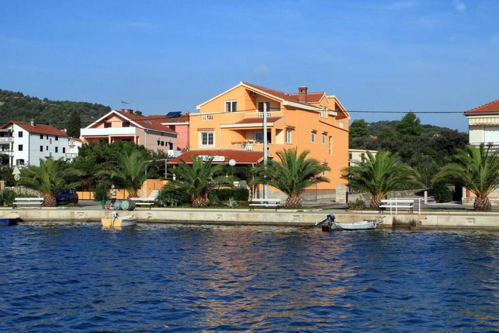 Apartmani Sea view - cosy & in center:, Kukljica - Otok Ugljan