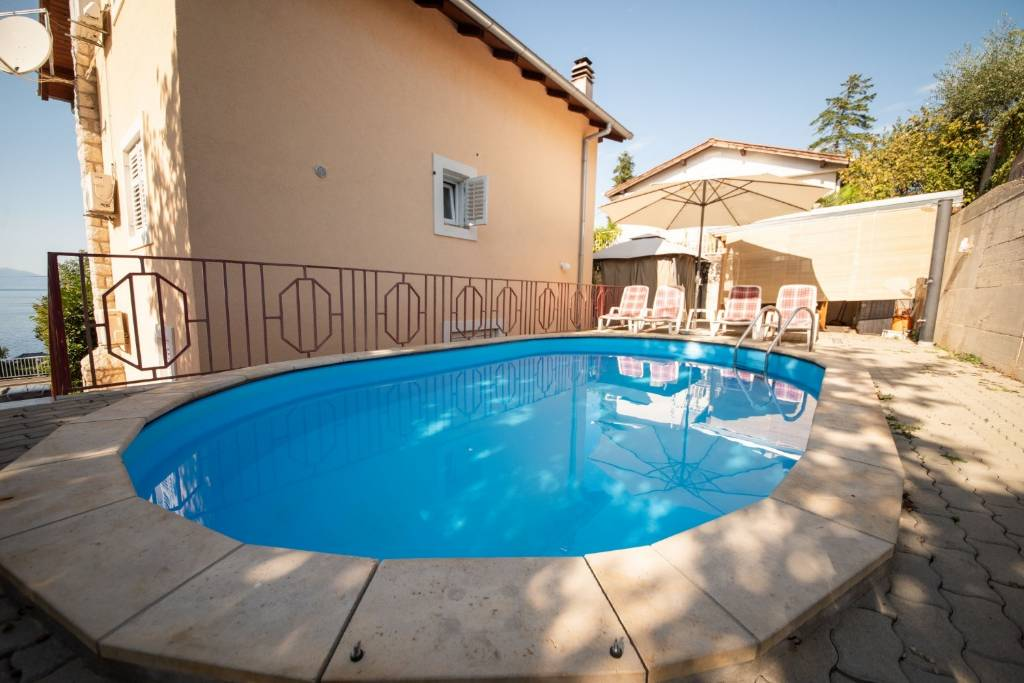 Apartmani Ivona - open swimming pool:, Njivice - Otok Krk