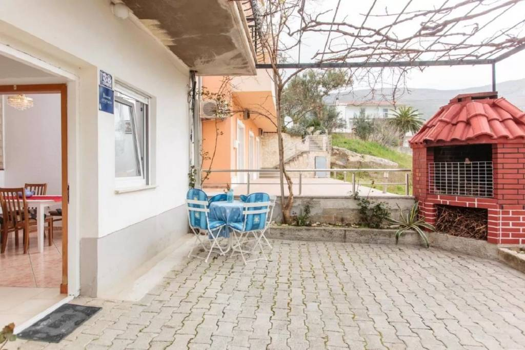 Apartmani Knez 1 - 50 m from beach:, Podstrana - Rivijera Split