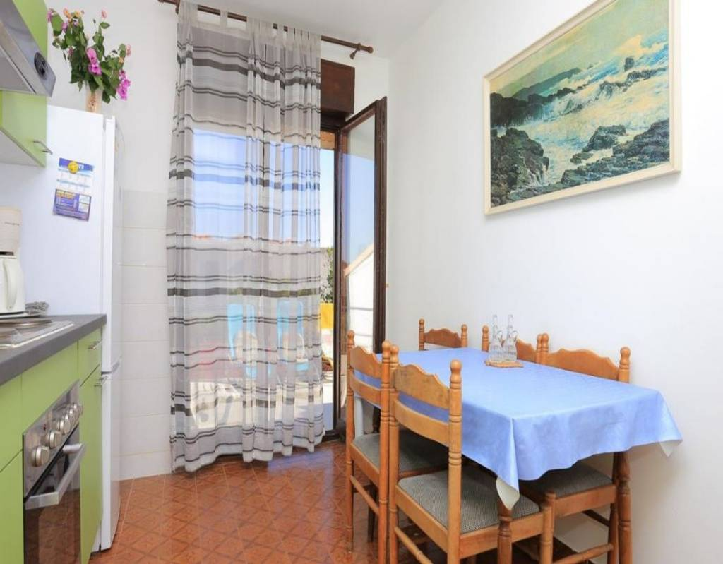 Otok Čiovo  Slatine - Apartmani Rosa - with parking :  - Apartman 3