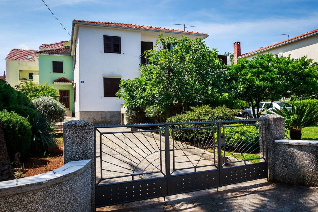 Otok Brač  Supetar - Apartmani AS- big and modern apartment