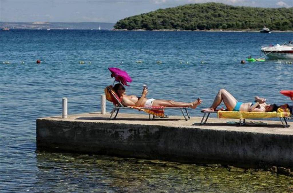 Apartmani Tin - comfortable apartment near beach:, Ugljan - Otok Ugljan