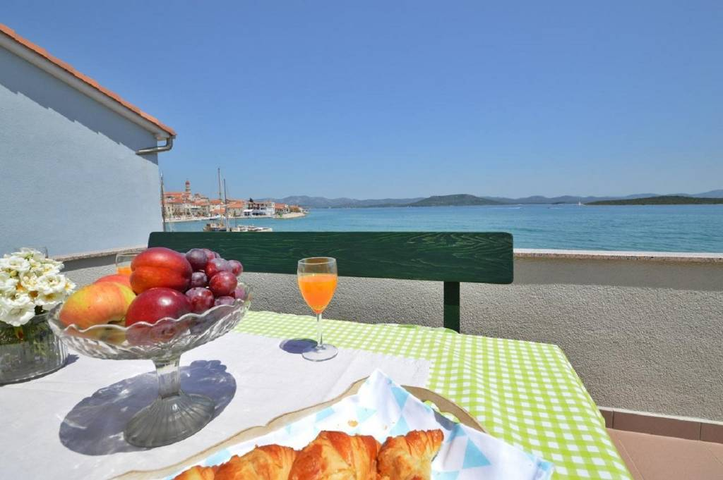 Apartmani Denko - right on the beach:, Betina - Otok Murter
