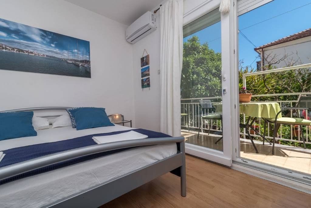 Trogir - Apartment Room - Apartments Mare ..